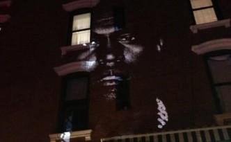 Kanye West fait la promotion de son album sur 66 bâtiments dans le monde