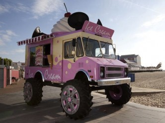 Monster-truc-skoda-ice-cream-2