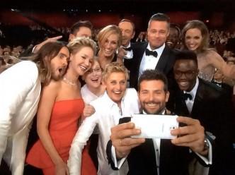 le-selfie-d-ellen-degeneres-est-le-plus-retweete-samsung