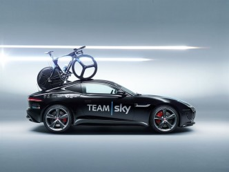 Jaguar-F-Type-Sky-Tour-de-France-3